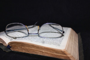 book-and-glasses-200